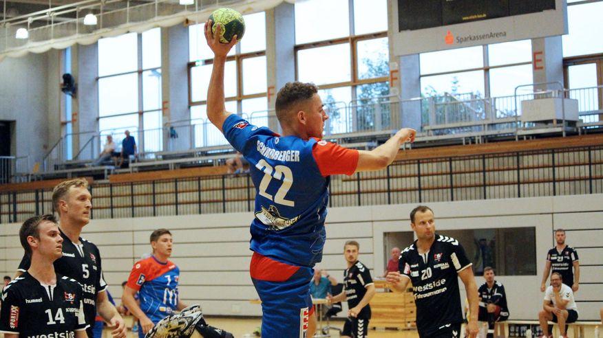 0950de42ee Im ersten Spiel der Saison musste Handball-Drittligist HBW Balingen-Weilstetten  II am Bodensee eine bittere 27:30-Niederlage im Derby bei der HSG Konstanz  ...